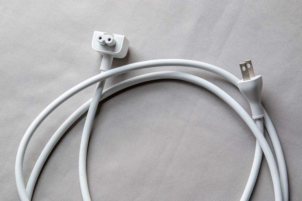 MacBookの延長ケーブル