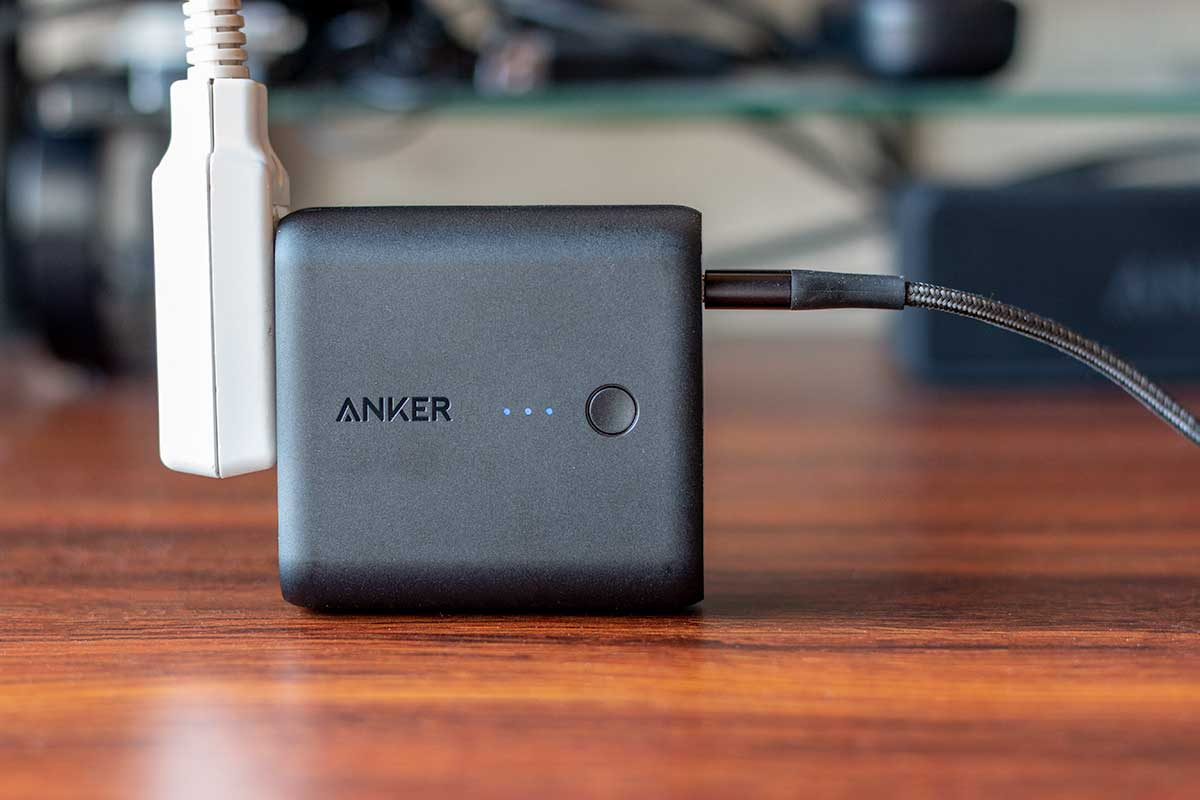 Anker PowerCore Fusion 5000を充電する