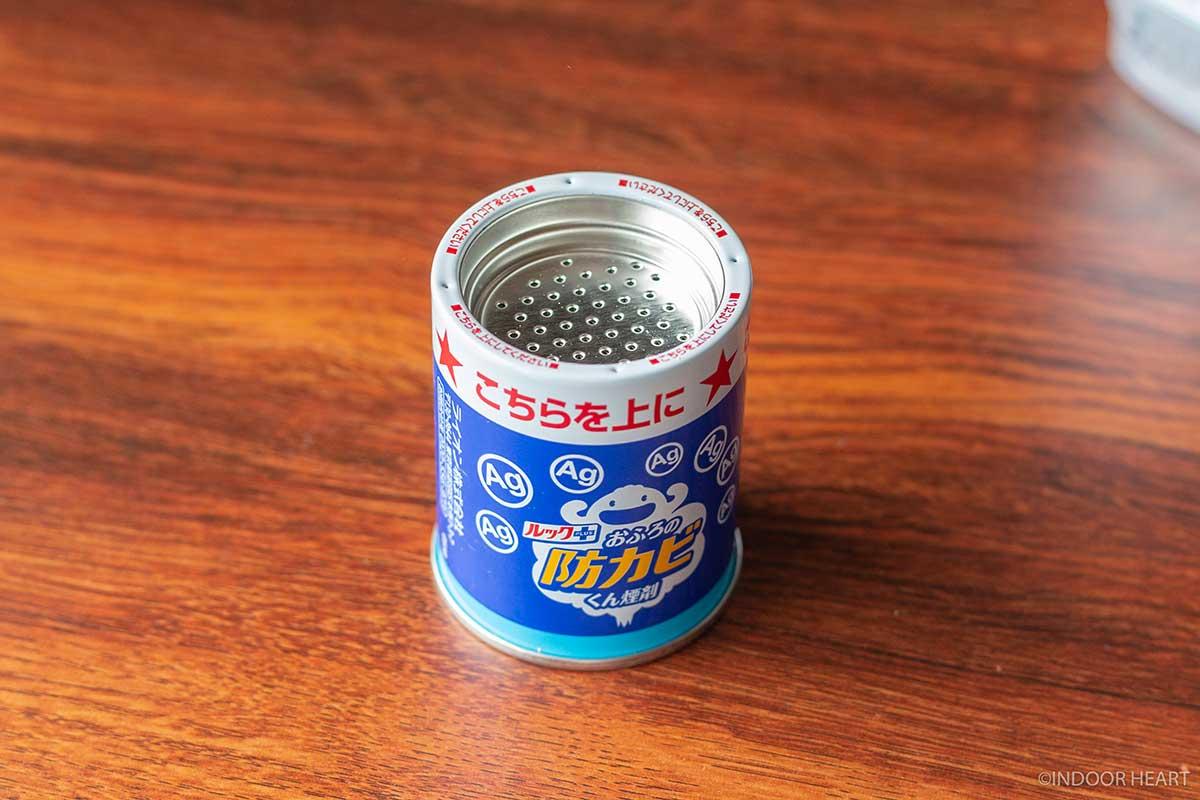 防カビくん煙剤の本体の缶