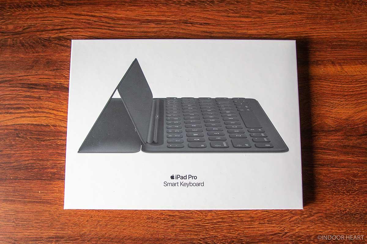 iPadのスマートキーボードの箱