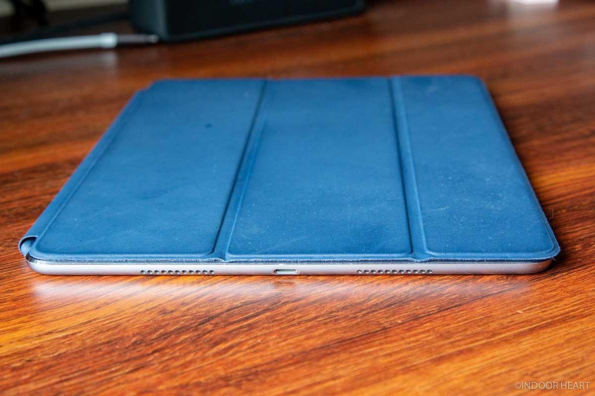 iPadとスマートカバーの厚さ