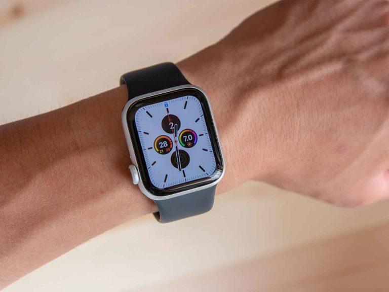 Apple Watch series 5を装着したところ