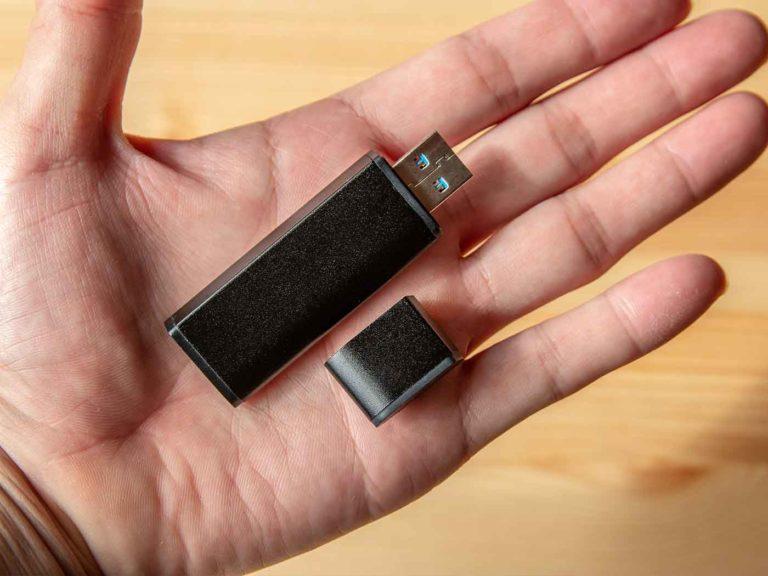 手のひらサイズのSSD「flashget」