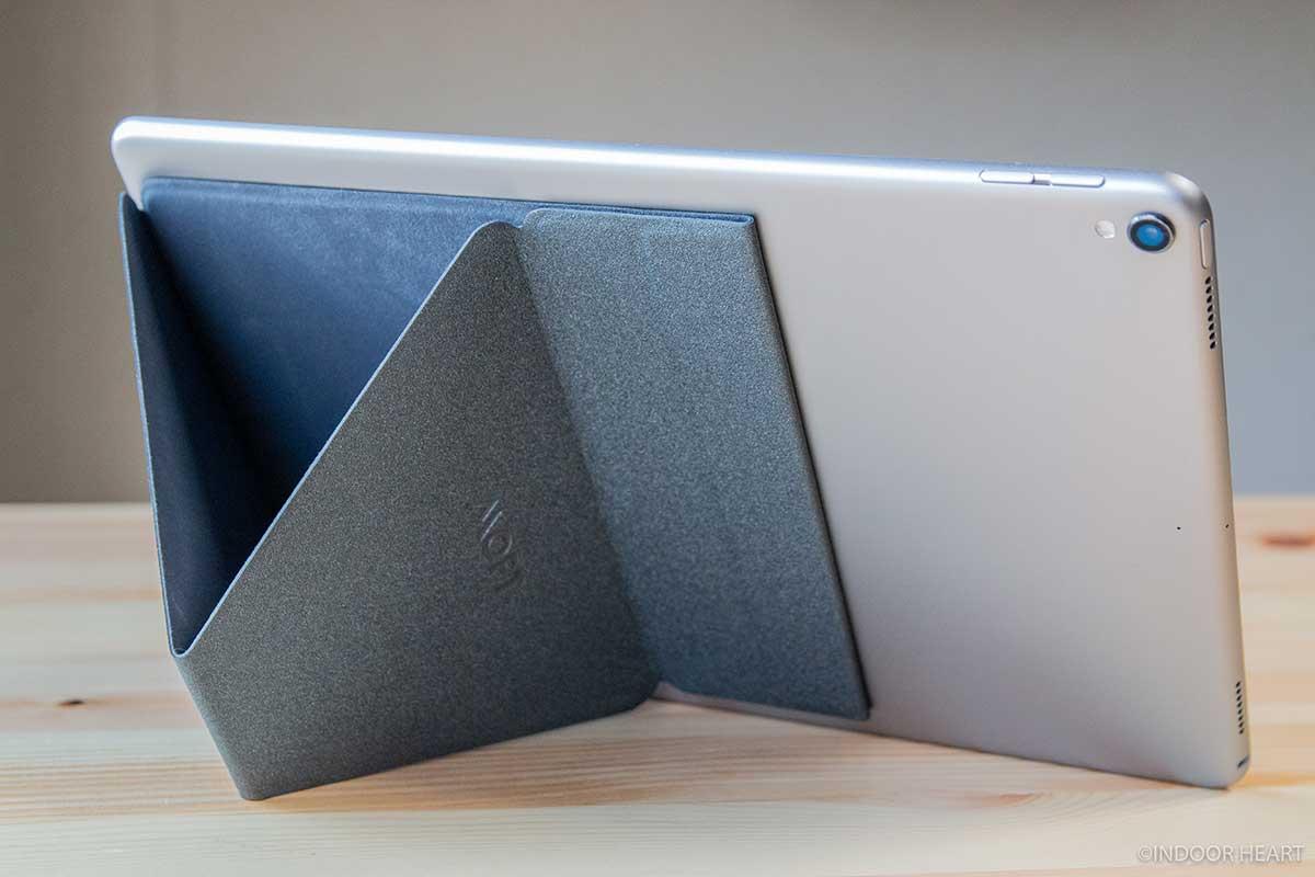 MOFT XでiPad Proを立てる