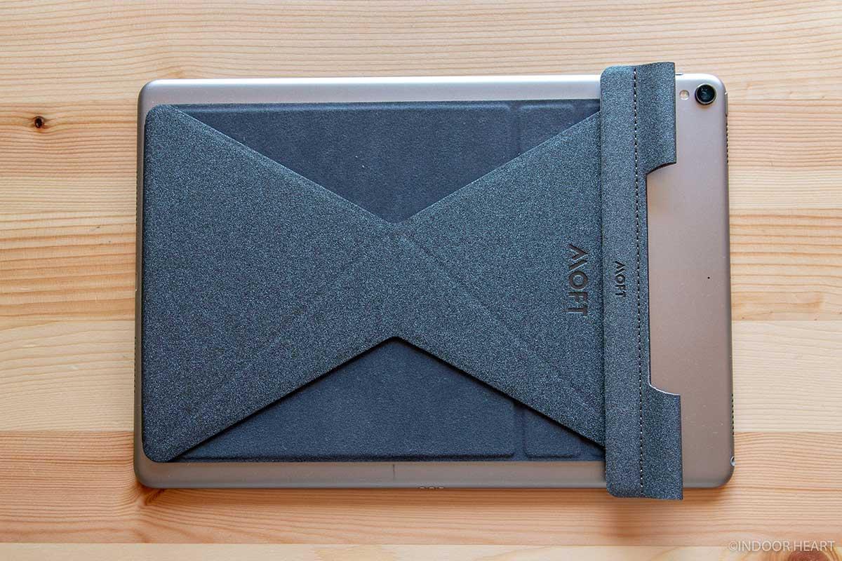 MOFT Xのペンホルダーとタブレット