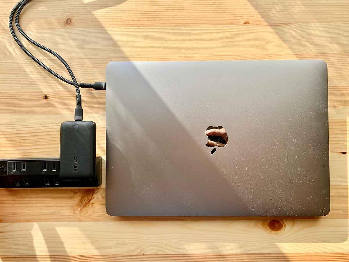 Anker PowerPort Atom III SlimとMacBookPro