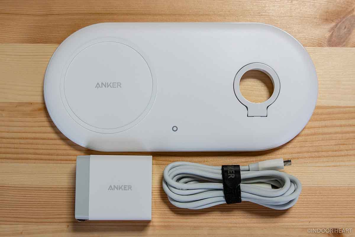 Anker PowerWave+ Pad with Watch Holderの付属品一覧