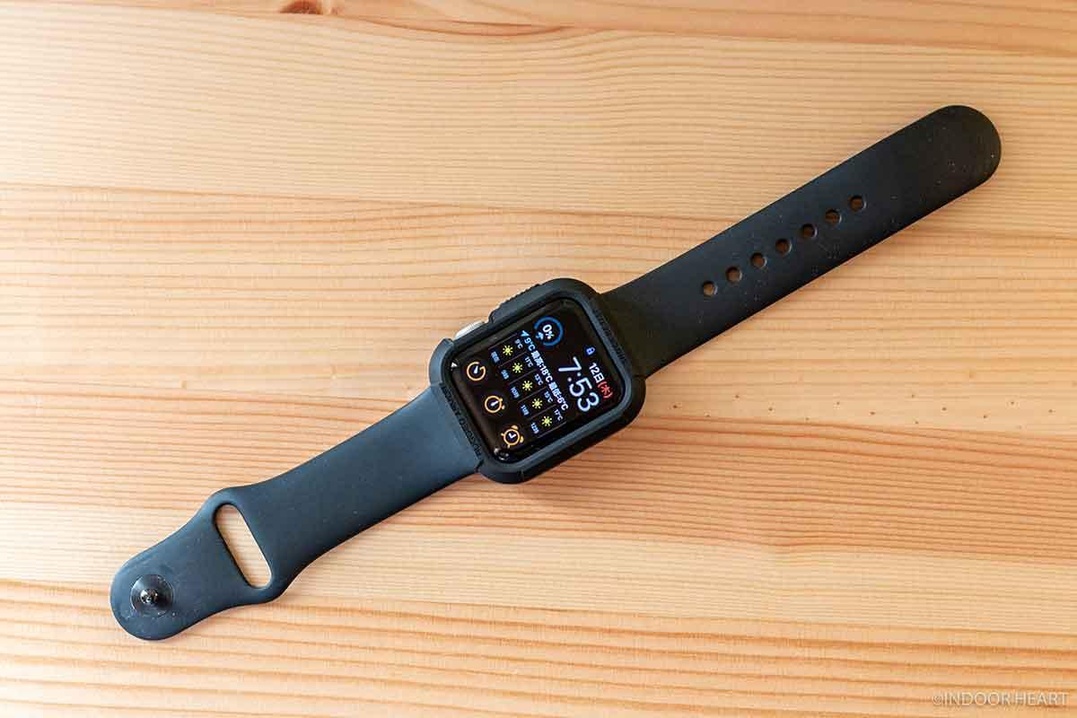 ラギットアーマーと装着したApple Watch