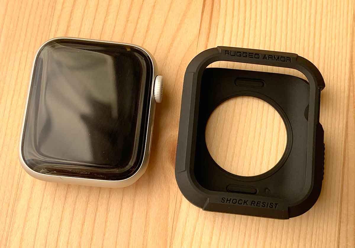 Apple Watch本体とラギットアーマー
