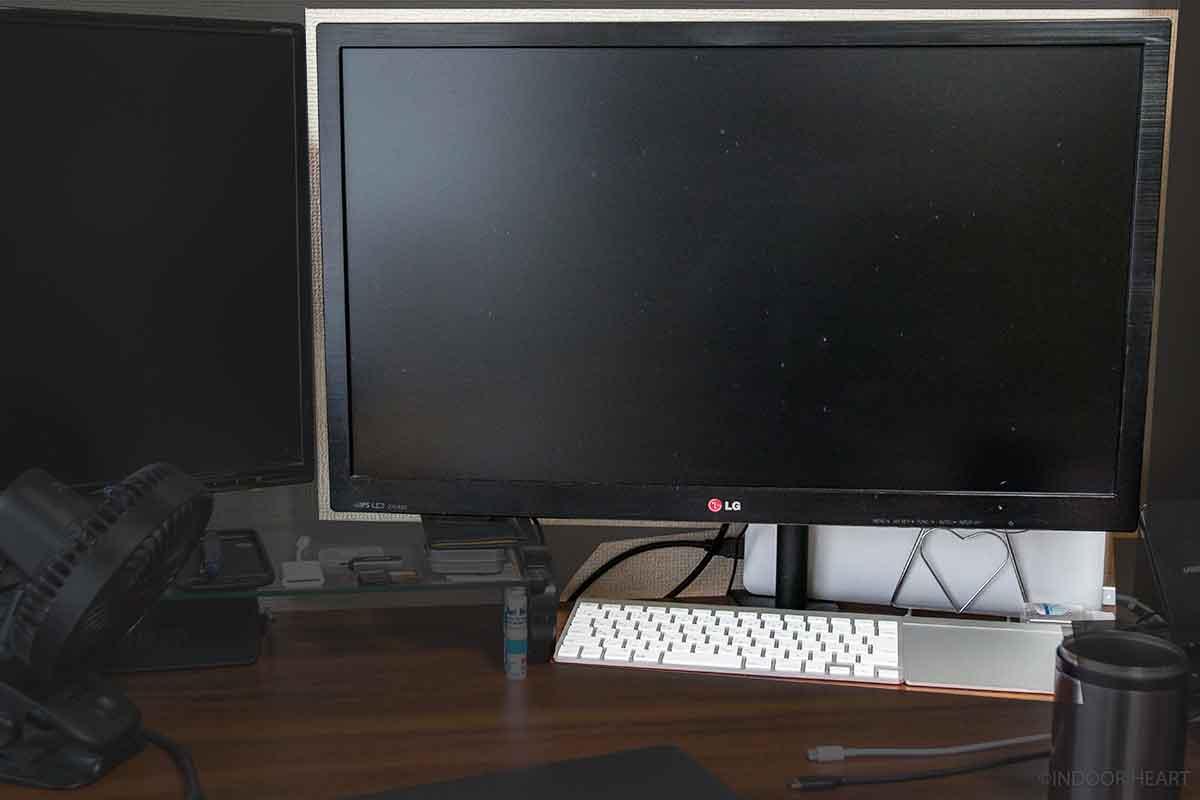27インチディスプレイとMacBookのクロムシェルモード