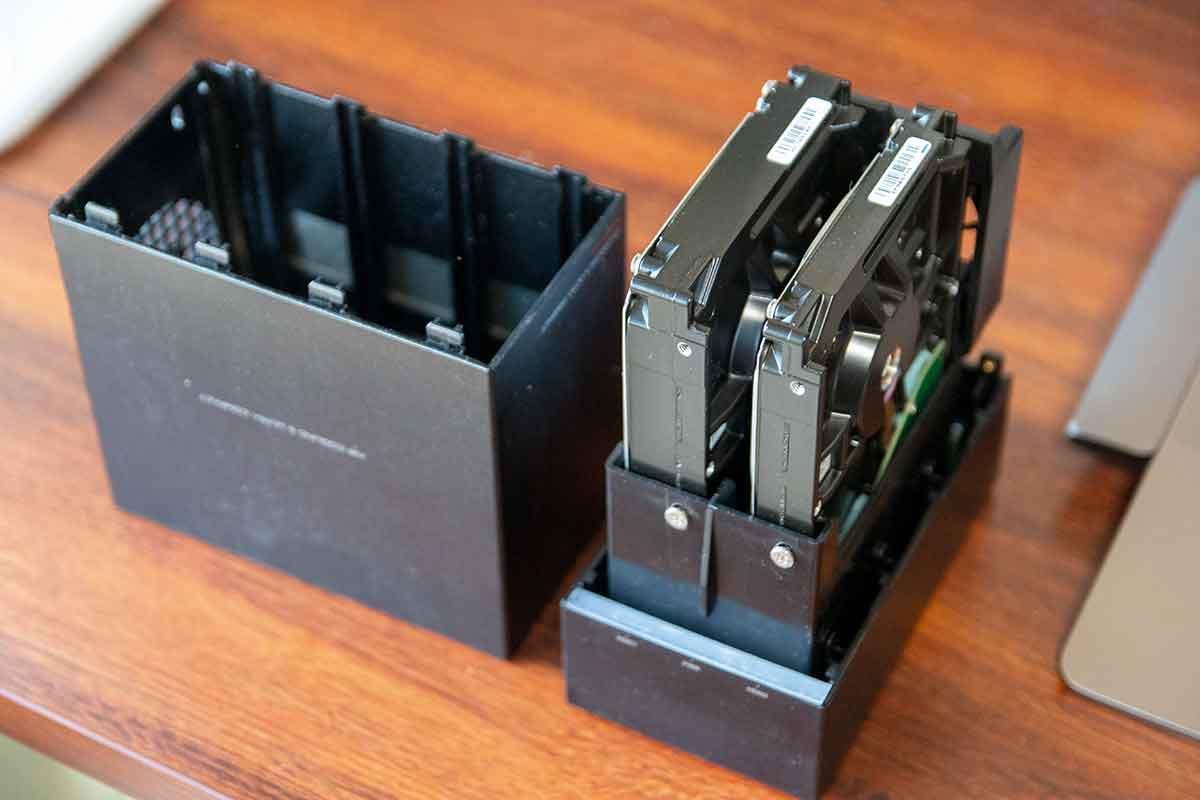 外付けHDDケースと内臓HDD
