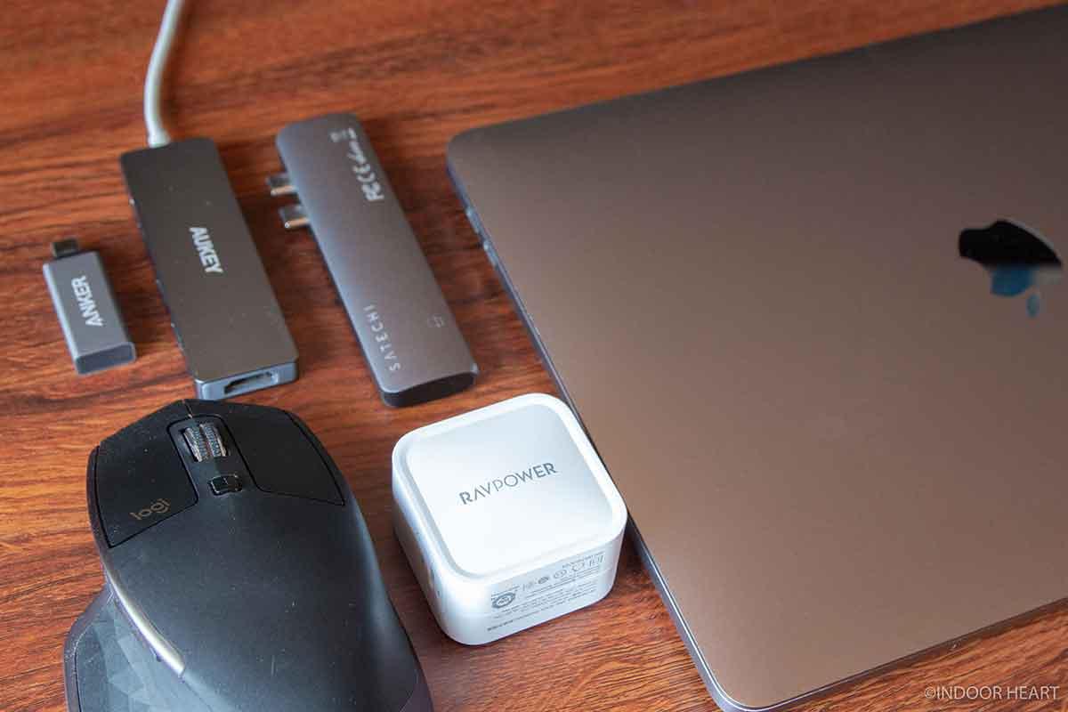 MacBook Proのアクセサリーと周辺機器
