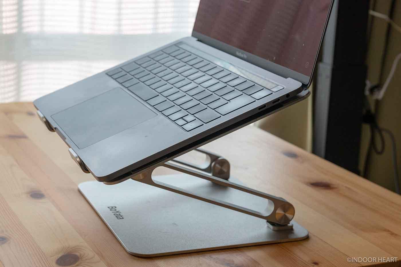 BoYotaノートPCスタンドとMacBook