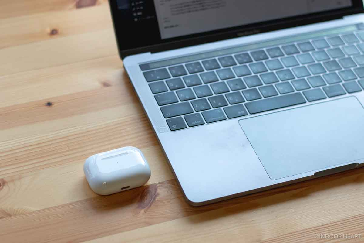 MacBookとAirpods