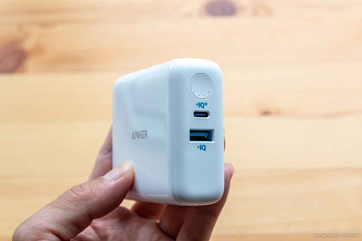 Anker PowerCore III Fusion 5000のポート類