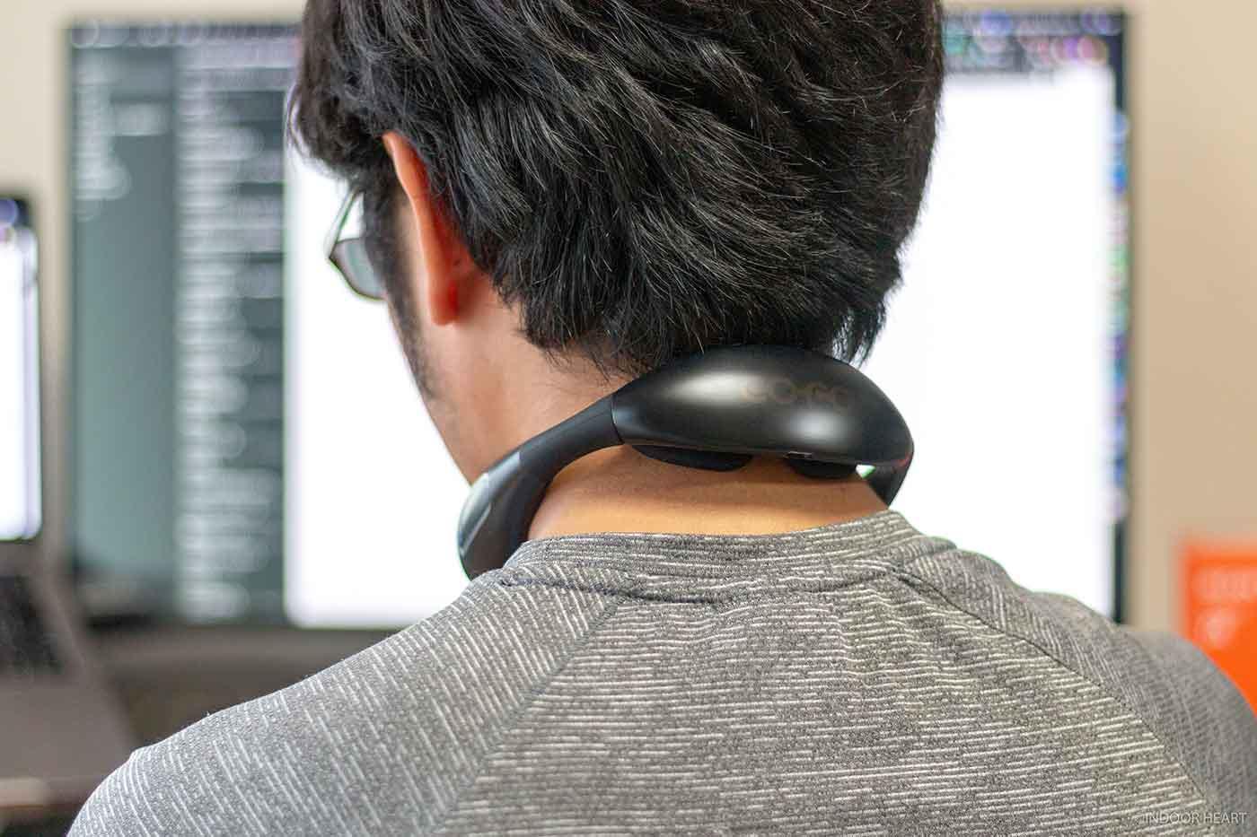 COFO Neck Proを首に装着