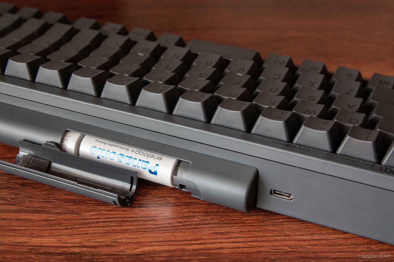 HHKBのUSB-Cポートと電池