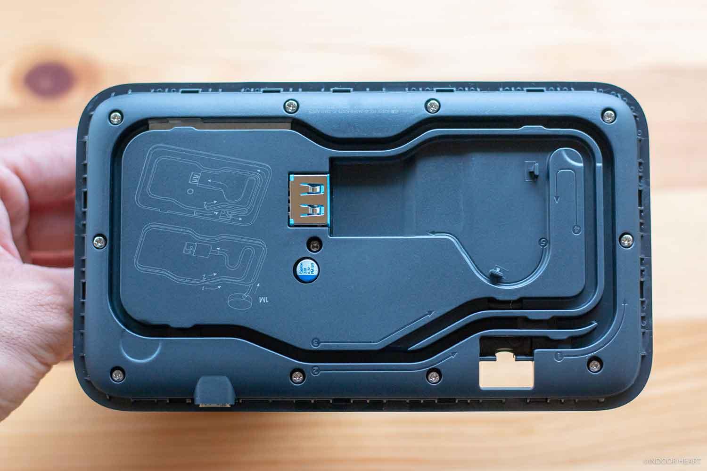 Apple Watch充電器ケーブルの溝
