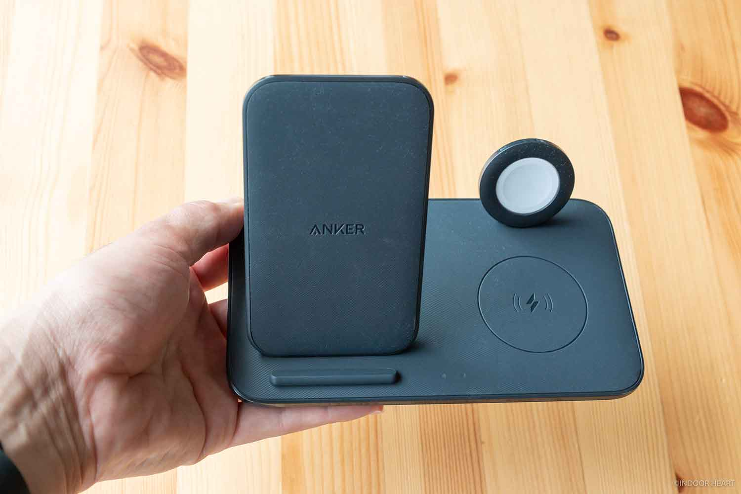 Anker PowerWave+ 3 in 1 stand with Watch Holderのサイズ感